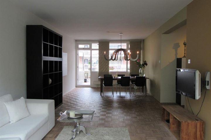 afbeelding woning met adres Jodenbreestraat 110 1011NS, Amsterdam