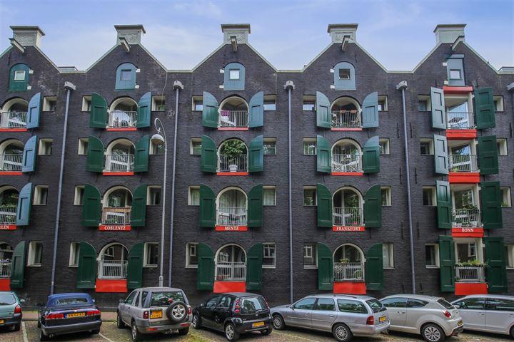 afbeelding woning met adres Nieuwe Uilenburgerstraat 15F 1011LM, Amsterdam